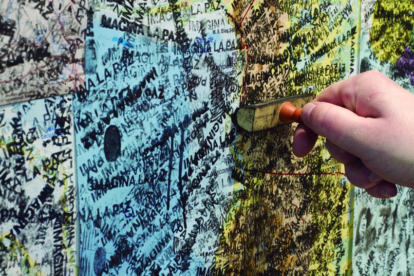 Imagine Peace, Map Piece,2013 War Is Over, MCA, Sydney, Australia, November 2013-February 2014 Photo:Alex Davies courtesy Yoko Ono Nombre